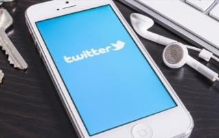 Γιατί το Twitter ζητεί από 330 εκατ. χρήστες να αλλάξουν τους κωδικούς τους