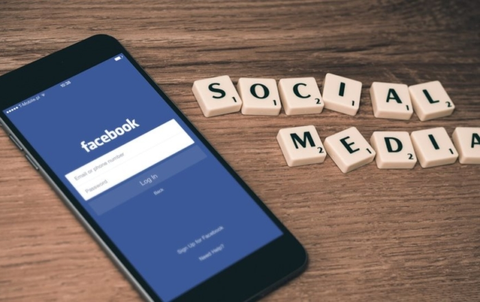 facebook μπλακ αουτ λόγος