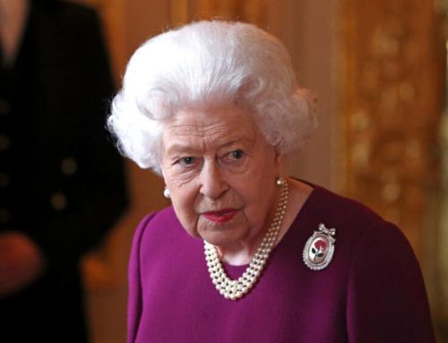 Η βασίλισσα Ελισάβετ ψάχνει άνθρωπο για τα social media