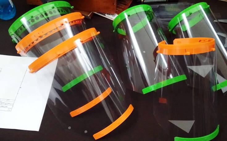 Εθελοντές κατασκευάζουν σε 3D εκτυπωτές πλαστικές μάσκες για τους γιατρούς και τους νοσηλευτές του νοσοκομείου Ξάνθης