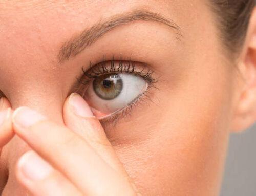 Προσοχή στα… μάτια από την πολύωρη χρήση υπολογιστών λόγω lockdown